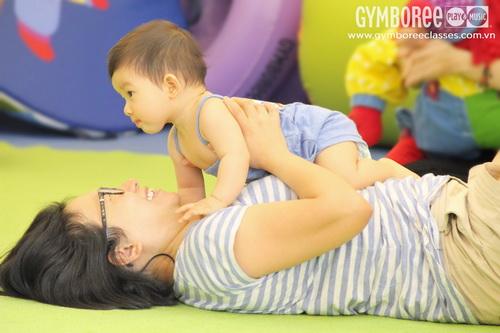 Điều kỳ diệu từ những khoảnh khắc – Bé từ 6-12 tháng tuổi