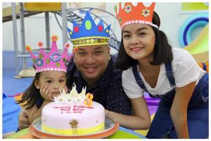 Celebrity Pham Quynh Anh and Husband, Director Quang Huy together with their adorable Bella at Gymboree!